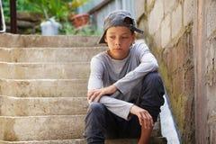 Λυπημένος έφηβος υπαίθρια Στοκ φωτογραφία με δικαίωμα ελεύθερης χρήσης