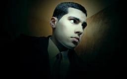 Λυπημένος αραβικός αιγυπτιακός νέος επιχειρηματίας Στοκ Εικόνες