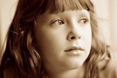 Λυπημένος, τρυπημένος, παιδί αφηρημάδας Στοκ Φωτογραφία