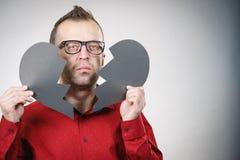 Λυπημένο άτομο με τη σπασμένη καρδιά στοκ εικόνα με δικαίωμα ελεύθερης χρήσης