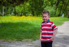 Λυπημένο αγόρι στην πορεία Στοκ Εικόνα