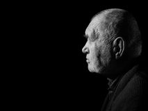 Λυπημένο ηλικιωμένο γκρίζο άτομο Στοκ φωτογραφία με δικαίωμα ελεύθερης χρήσης
