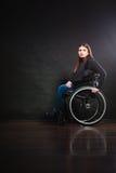 Λυπημένο κορίτσι στην αναπηρική καρέκλα Στοκ εικόνες με δικαίωμα ελεύθερης χρήσης