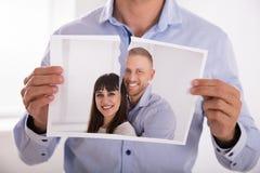 Λυσσασμένη φωτογραφία ατόμων του χαμογελώντας ζεύγους στοκ εικόνα με δικαίωμα ελεύθερης χρήσης