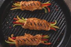 Λωρίδα κοτόπουλου με τη σχάρα λαχανικών στοκ φωτογραφία με δικαίωμα ελεύθερης χρήσης