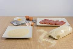 Λωρίδες βόειου κρέατος που πασπαλίζονται με ψίχουλα στοκ εικόνες με δικαίωμα ελεύθερης χρήσης