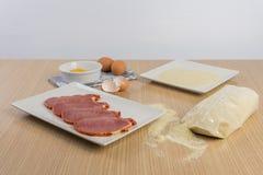 Λωρίδες βόειου κρέατος που πασπαλίζονται με ψίχουλα στοκ φωτογραφία με δικαίωμα ελεύθερης χρήσης