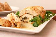 Λωρίδα κοτόπουλου με τη σαλάτα και τη μοτσαρέλα καλαμποκιού Στοκ Φωτογραφίες