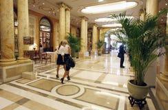 Λόμπι ξενοδοχείων πολυτελείας Στοκ εικόνες με δικαίωμα ελεύθερης χρήσης