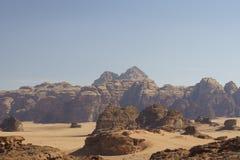 Λόφοι και η κενή έρημος στοκ φωτογραφία με δικαίωμα ελεύθερης χρήσης