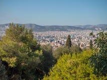 Λόφος Areopagus με τους τουρίστες στην Αθήνα, Ελλάδα Στοκ Εικόνες