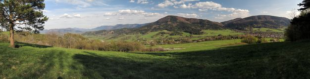 Λόφος Javornik Velky στα βουνά Moravskoslezske Beskydy Στοκ φωτογραφία με δικαίωμα ελεύθερης χρήσης