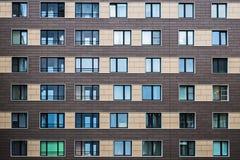 Λύσεις προσόψεων των νέων κατοικημένων κτηρίων στοκ φωτογραφία