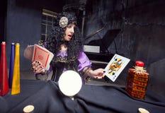 Μάγισσα εν ενεργεία witchcraft Στοκ εικόνες με δικαίωμα ελεύθερης χρήσης