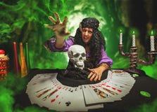 Μάγισσα εν ενεργεία witchcraft Στοκ Φωτογραφίες