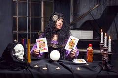 Μάγισσα εν ενεργεία witchcraft Στοκ φωτογραφίες με δικαίωμα ελεύθερης χρήσης