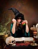μάγισσα δηλητήριων μήλων Στοκ Φωτογραφία