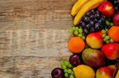 Μάγκο, λεμόνι, δαμάσκηνο, σταφύλι, αχλάδι, πορτοκάλι, Apple, μπανάνα Στοκ εικόνες με δικαίωμα ελεύθερης χρήσης