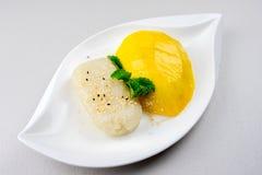 Μάγκο και κολλώδες διάσημο επιδόρπιο ρυζιού στην Ταϊλάνδη Στοκ Φωτογραφία