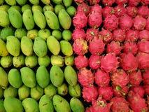 Μάγκο και φρούτα δράκων Στοκ Εικόνες