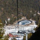 Μάζα που κάνει σκι προς τα κάτω Στοκ εικόνα με δικαίωμα ελεύθερης χρήσης