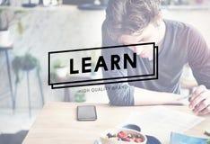 Μάθετε την έννοια μαθήματος σχολικών σπουδαστών μελέτης Στοκ Εικόνα