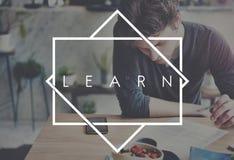 Μάθετε την έννοια μαθήματος σχολικών σπουδαστών μελέτης Στοκ εικόνα με δικαίωμα ελεύθερης χρήσης