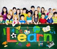 Μάθετε την έννοια παιδιών σχολείου γνώσης μελέτης εκμάθησης στοκ φωτογραφία με δικαίωμα ελεύθερης χρήσης