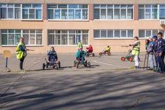 Μάθημα στη μελέτη των κανόνων του οδικού σχολείου Στοκ φωτογραφίες με δικαίωμα ελεύθερης χρήσης
