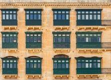 Μάλτα Παραδοσιακά μπαλκόνια στα σπίτια Στοκ φωτογραφία με δικαίωμα ελεύθερης χρήσης