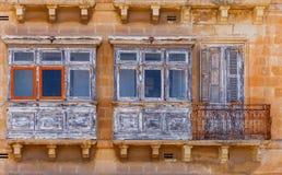 Μάλτα Παραδοσιακά μπαλκόνια στα σπίτια Στοκ φωτογραφίες με δικαίωμα ελεύθερης χρήσης