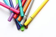 Μάνδρα χρώματος Σωρός με τις μάνδρες χρώματος που απομονώνονται στο άσπρο υπόβαθρο Σύσταση υποβάθρου χρώματος, δραστηριότητα πίλη Στοκ Φωτογραφίες