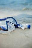 Μάσκα και βατραχοπέδιλα στην άμμο στοκ εικόνα με δικαίωμα ελεύθερης χρήσης