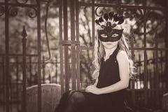 Μάσκα νέων κοριτσιών Στοκ φωτογραφίες με δικαίωμα ελεύθερης χρήσης