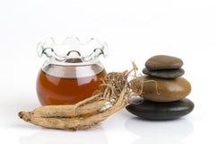 Μάσκα προσώπου με το ginseng και το μέλι στοκ εικόνες