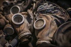 Μάσκες αερίου που εξυπηρετούνται ο χρόνος τους στοκ εικόνες
