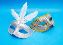 Μάσκες καρναβαλιού στο μπλε υπόβαθρο Στοκ φωτογραφία με δικαίωμα ελεύθερης χρήσης