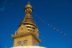 μάτια του Βούδα Μάτια φρόνησης του Βούδα σε Swayambhunath Stupa μετά από το σεισμό, Κατμαντού, Νεπάλ Στοκ Φωτογραφίες