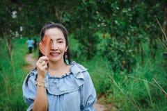 Μάτια φύλλων κυρία Environmental μια προστασία και μια οικολογία στοκ φωτογραφία με δικαίωμα ελεύθερης χρήσης