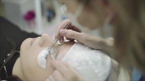 Μάτι γυναικών με τα μακροχρόνια eyelashes απόθεμα βίντεο