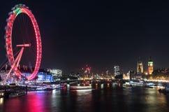 Μάτι και Big Ben του Λονδίνου τη νύχτα Στοκ φωτογραφία με δικαίωμα ελεύθερης χρήσης