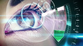 Μάτι που εξετάζει τη φουτουριστική διεπαφή που παρουσιάζει εργαστηριακούς συνδετήρες απόθεμα βίντεο