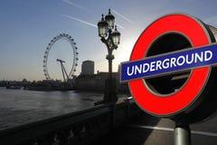 Μάτι του Λονδίνου με το υπόγειο σύμβολο, Λονδίνο Στοκ Φωτογραφίες