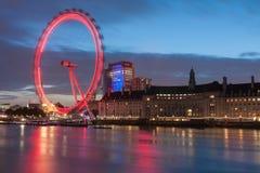 Μάτι του Λονδίνου, ρόδα χιλιετίας στο Λονδίνο τη νύχτα Στοκ Εικόνα