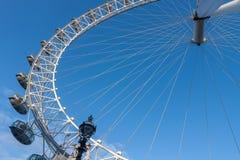 Μάτι του Λονδίνου, ρόδα χιλιετίας στο Λονδίνο το πρωί Στοκ Εικόνες