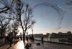 Μάτι του Λονδίνου με τη φυσαλίδα έκρηξης Στοκ Εικόνες