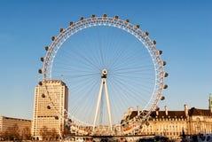 Μάτι του Λονδίνου μια γιγαντιαία ρόδα Ferris Στοκ εικόνα με δικαίωμα ελεύθερης χρήσης