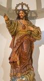Μάλαγα - το χαρασμένο πολύχρωμο άγαλμα του ακουσμένου για Ιησού στην εκκλησία Iglesia del Σαντιάγο Apostol Στοκ Εικόνες