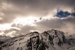Μέγιστα σύννεφα βουνών Στοκ Φωτογραφίες