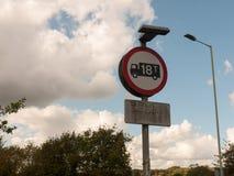 Μέγιστο βάρος οδικών σημαδιών φορτίων κύκλων φορτηγών φορτηγών 18 τόνοι Στοκ Φωτογραφίες